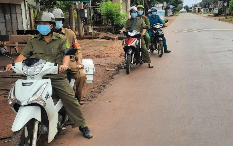 Cảnh giao thông nông thôn tỉnh Bà Rịa -Vũng Tàu ngày đầu thực hiện giãn cách theo Chỉ thị 16