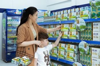 Vinamilk liên tục dẫn đầu ngành sữa nước nhiều năm liền