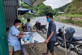 Lai Châu: Trở về nước không khai báo y tế, nam thanh niên bị phạt 5 triệu đồng