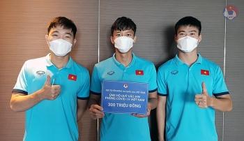 Đội tuyển Việt Nam ủng hộ Quỹ vaccine phòng Covid-19 sau trận thắng Indonesia