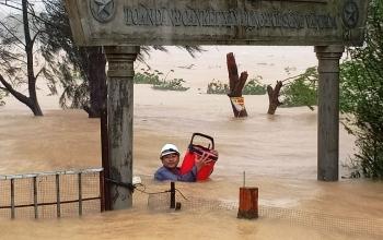 40 người chết và mất tích do mưa lũ tại các tỉnh miền Trung