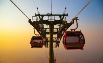 Hệ thống cáp treo mới tại Khu du lịch Quốc gia Núi Bà Đen do Sun Group đầu tư chính thức đi vào hoạt động