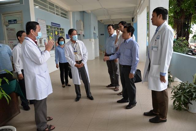 2 vợ chồng Trung Quốc nhiễm virus corona, Việt Nam giám sát 268 người - 2