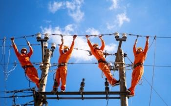 EVN giảm gần 1.000 tỷ đồng tiền điện cho khách hàng