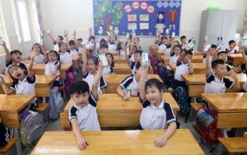 """Nhân rộng niềm vui mang tên """"sữa học đường"""""""
