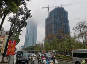 Ô nhiễm bụi và sương mù quang hóa là hiện tượng thường gặp lúc giao mùa