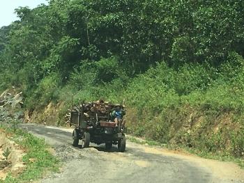 Thanh Hóa: Cận cảnh tuyến đường hơn 70 tỷ đồng chưa bàn giao đã hư hỏng nặng