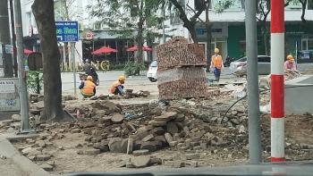 Quận Hoàng Mai: Công ty CP Quốc tế Việt Hồng tự ý bóc gần 1000 m2 vỉa hè khi chưa được cấp phép