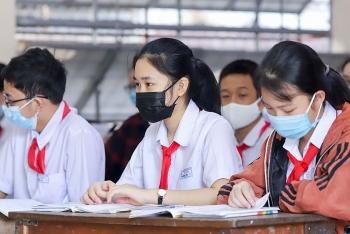 Hà Nội chi 900 tỷ đồng hỗ trợ giảm 50% học phí cho học sinh trong năm học 2021 - 2022