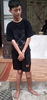 Thái Bình: Cậu bé mồ côi bị u xương 10 năm không được chữa trị