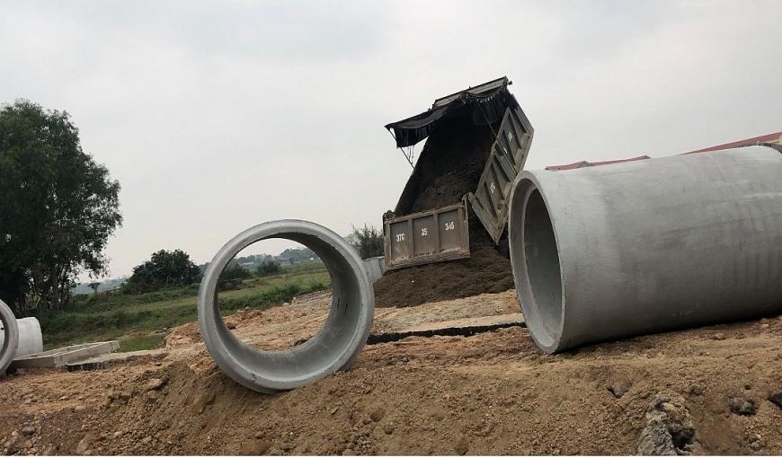 TP Vinh, tỉnh Nghệ An: Dự án xây dựng vi phạm hành lang an toàn giao thông?