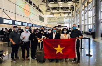 Chuyến bay đặc biệt đưa hơn 340 công dân Việt Nam từ Hoa Kỳ về nước an toàn