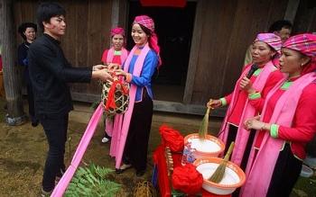 Người giải mã văn hóa truyền thống người Giáy (Kì 2)